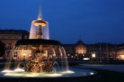 Stuttgart-Schlossplatz-at-night (250x166).jpg
