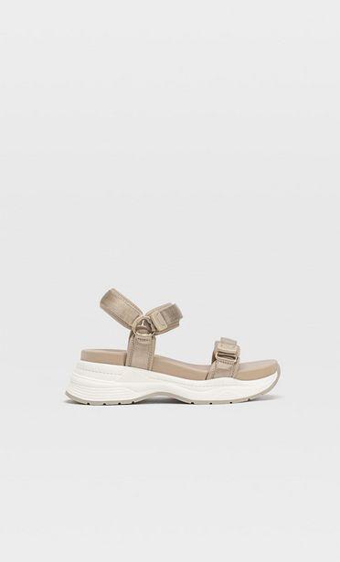 Sportliche Sandalen für 39,99€