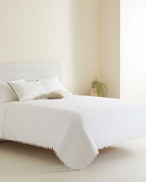 Bettbezug Mit Weißen Troddeln für 45,99€
