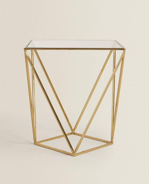Geometrischer Tisch für 149€